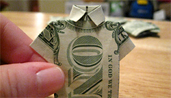 origami money shirt. photo credit: jennandjon on flickr. original: http://www.flickr.com/photos/jennandjon/2114472593/